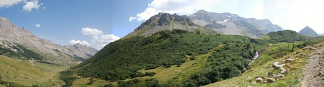 Illustrations of the Passes of the Alps, Brockedon : vue depuis l'ancienne route du Lautaret (vue actuelle)